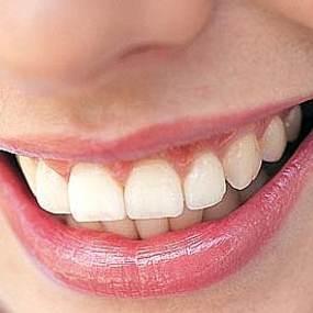 Reparasi Gigi dengan Implan 8d4160c378