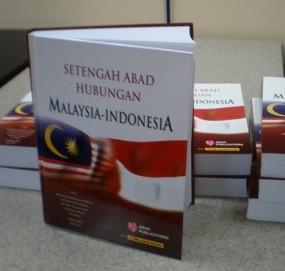 Malaysia Edarkan 3000 Buku Setengah Abad Hubungan Malindo