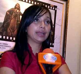 Ayu Azhari Tuding Film 2012 Sesat