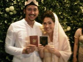 Menikah, Mieke Amalia Ucapkan Bismillah