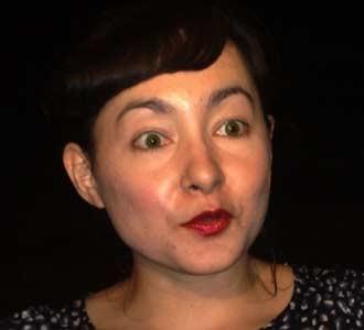Bibir Merah Dewi Rezer