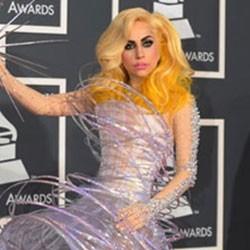 Didandani Armani, Lady Gaga Merasa Terhormat
