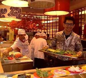 Ferry Salim Buka Restoran Jepang
