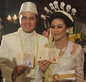 Sissy Priscilia Dinikahi Rifat Sungkar Dengan Mas Kawin Rp 1.710