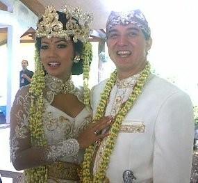 Shanty Sudah Dinikahi Sebastian Paredes Sejak 24 Juli 2010