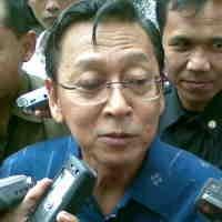 Seswapres Tursandi Alwi Pensiun, Boediono Tunjuk Plt