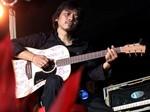 Gitar Rp 40 Juta Dewa Budjana