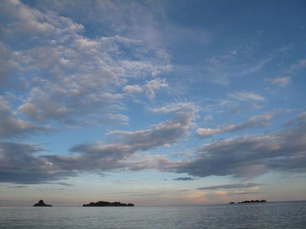 Panorama Pantai Weluan