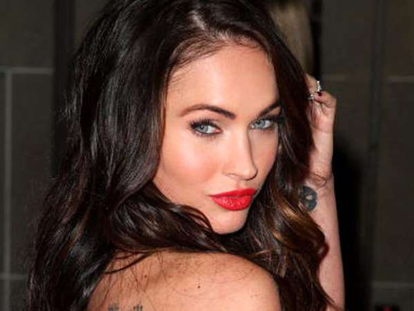 Warna-warni Gaya Megan Fox