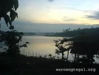 Pemandangan ditepi waduk (waroengtegal.org)