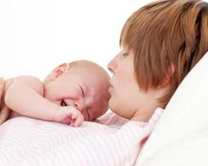 4 Cara Mengatasi Bayi yang Menangis