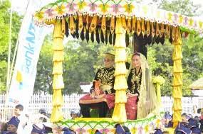 Tertunda 36 Tahun, Penobatan Sultan Sumbawa Dihadiri Ribuan Warga