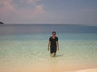 Gradasi warna laut di Pulau Seruni