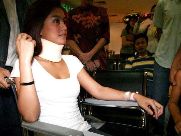 Agnes Monica Keluar dari Rumah Sakit
