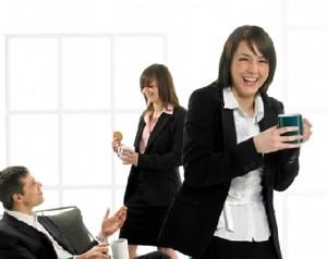 Tips Agar Lebih Menyenangkan Bekerja di Kantor