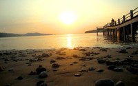 Indahnya sunset di Pulau Cidaon, tempat kita melihat banteng