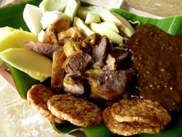 Rujak Cingur Extreme Cuisine Kebanggaan Surabaya