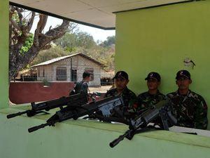 Patroli TNI di Perbatasan RI-Timor Leste