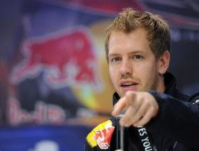 Vettel Ditantang Jadi Juara dengan Mobil Pelan