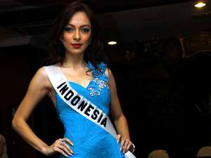 Busana Reisa Kartikasari di Miss International 2011