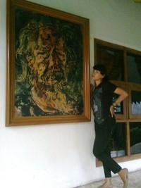Salah satu lukisan Affandi di sebelah kamarnya