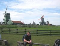Kincir angin di kawasan wisata Zaanse Schans