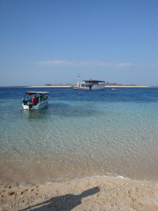 Perama Cruise