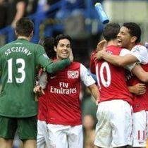 Arsenal Mengejar Tiket di Emirates