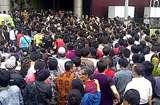 Polisi Dalami Keterlibatan Pegawai RIM dalam Ricuh BlackBerry