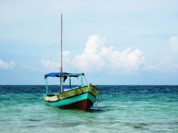 kapal snorkeling