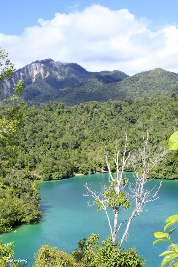 Telaga Sarawandori, Sudah Indah, Banyak Warna Pula!