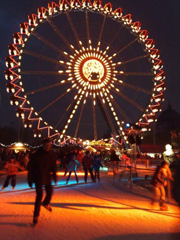 Gemerlap Pasar Malam Natal Di Berlin