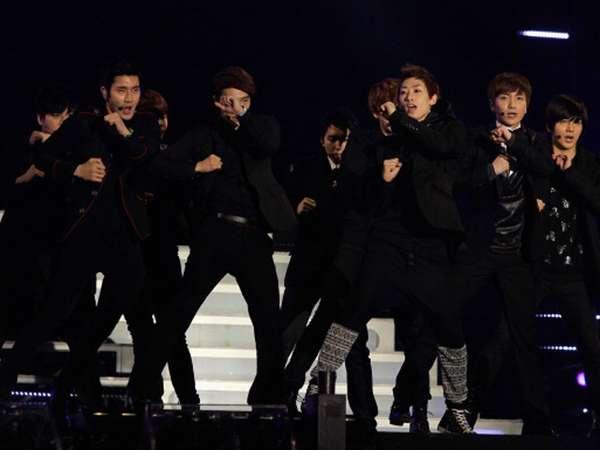 Aksi Super Junior di 21st Seoul Music Awards