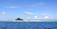 Tampak Pulau Kodingareng Keke dari kejauhan.