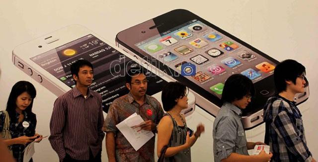 Rela Antre Berjam-jam untuk iPhone 4S