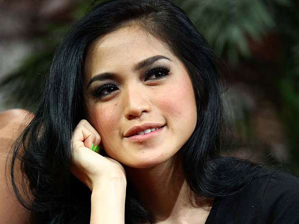 Jessica Iskandar Cantik Tanpa Make Up