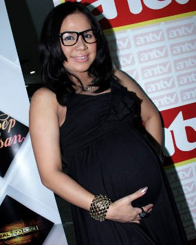 Melaney Ricardo Melahirkan Putri Pertama
