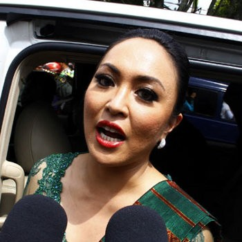 Meski Tersangka Wisma Atlet, Angie Masih Putri Indonesia 2001
