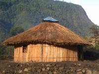 Rumah Honai (Sumber: fighterstreet66.blogspot.com)
