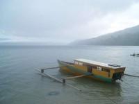 Menjelajahi Danau Poso dengan perahu (hadi/dtraveler)
