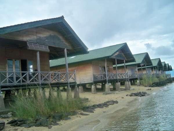 Beberapa penginapan di Danau Poso (hadi/dtraveler)