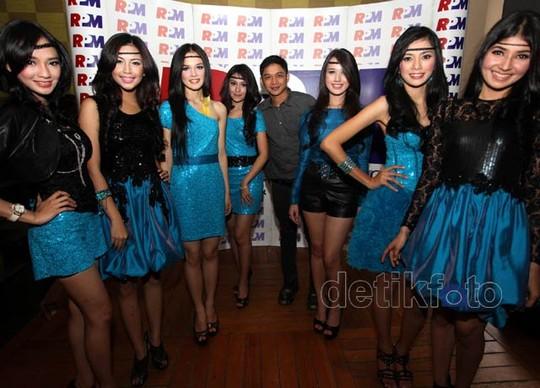 Pasha Gandeng Wanita-wanita Cantik