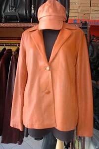 Jaket perempuan (sumber: arifh.blogdetik.com)