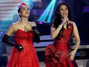 Duo Maia Merah-merah