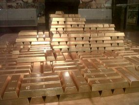 Ironis Cadangan Emas Antam Hanya 26 Dari Freeport
