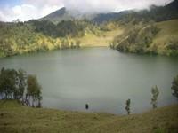 Ranu Kumbolo, danau di atas gunung (AymaraRamdani/detikTravel)
