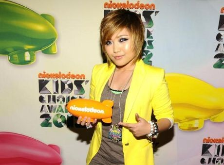 Agnes Monica Dikalahkan Charice di Kids Choice Awards 2012