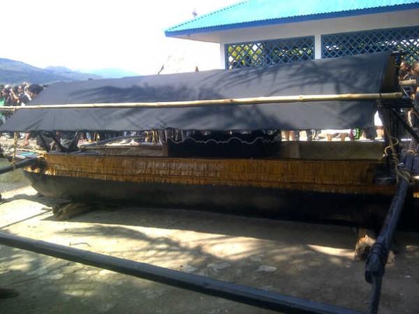 Perahu yang digunakan melaut bersama Tuhan Meninu (Putri/detikTravel)