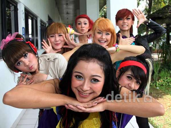 Warna-Warni Girlband Supergirlies