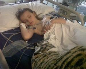 Terluka karena Selamatkan Adiknya, Anak Ini Jadi Pahlawan